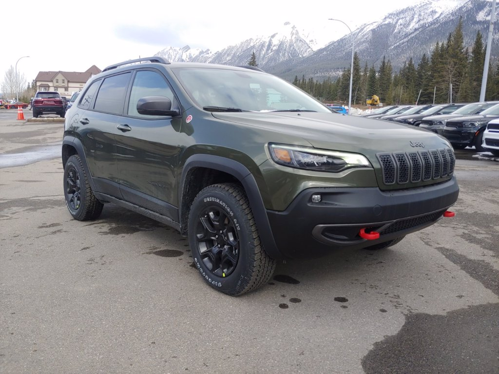 2021 Jeep Cherokee Trailhawk (21-7318) Main Image