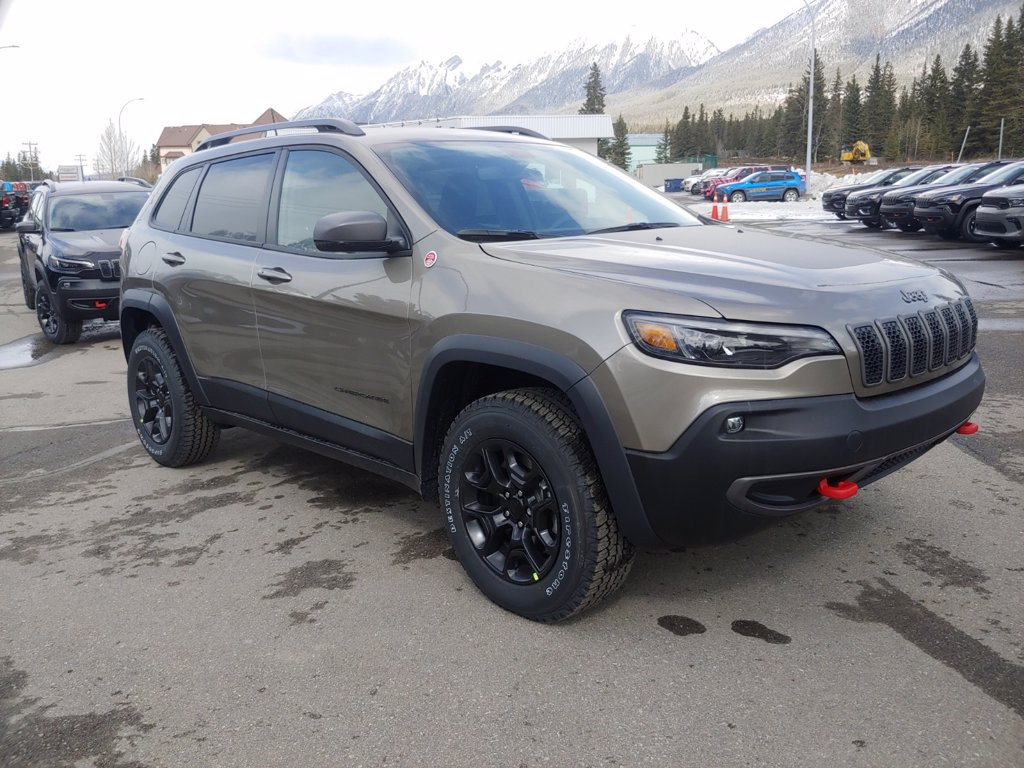 2021 Jeep Cherokee Trailhawk (21-7322) Main Image